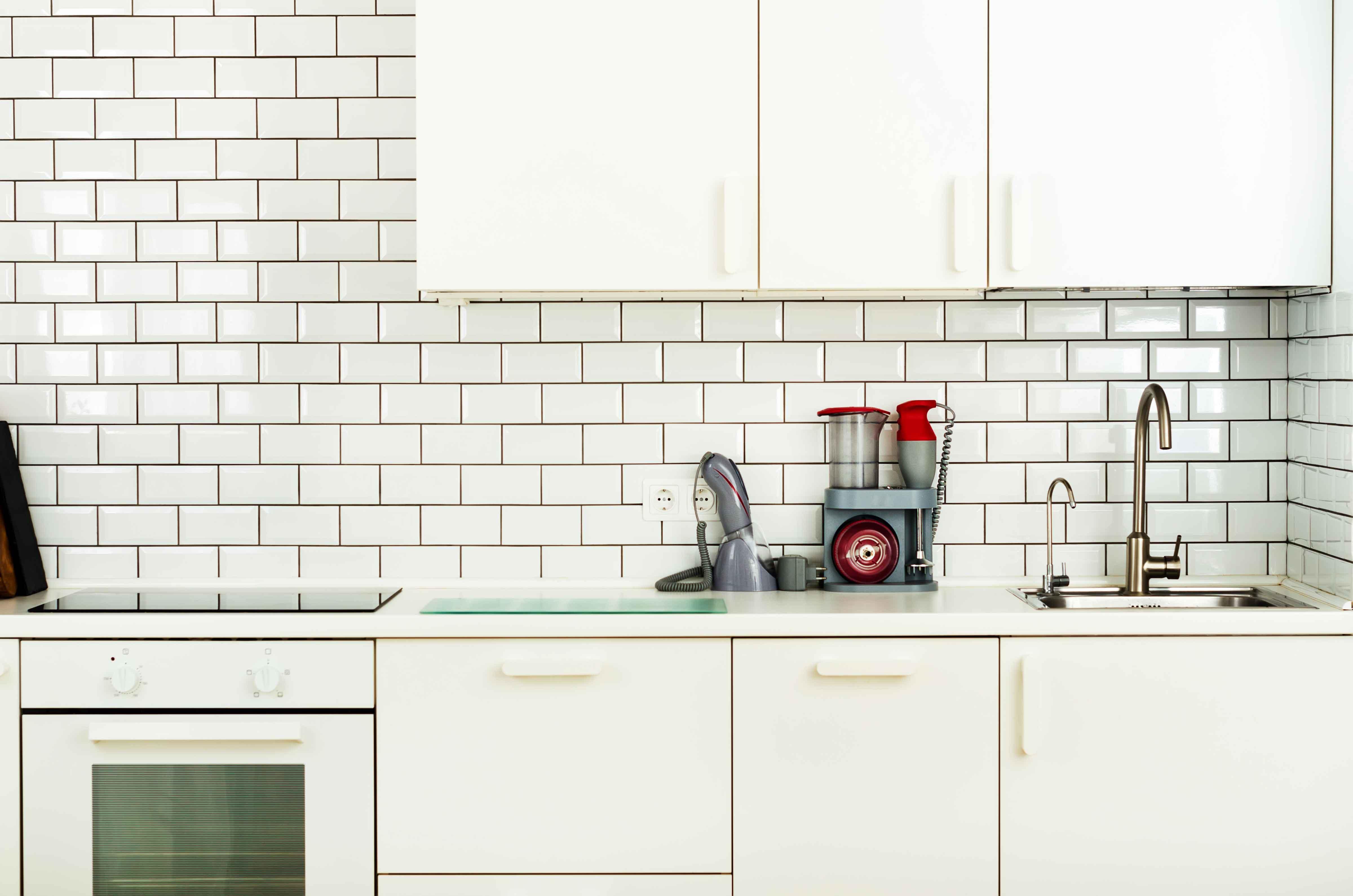 white minimalistic kitchen interior and design L7UW6QW
